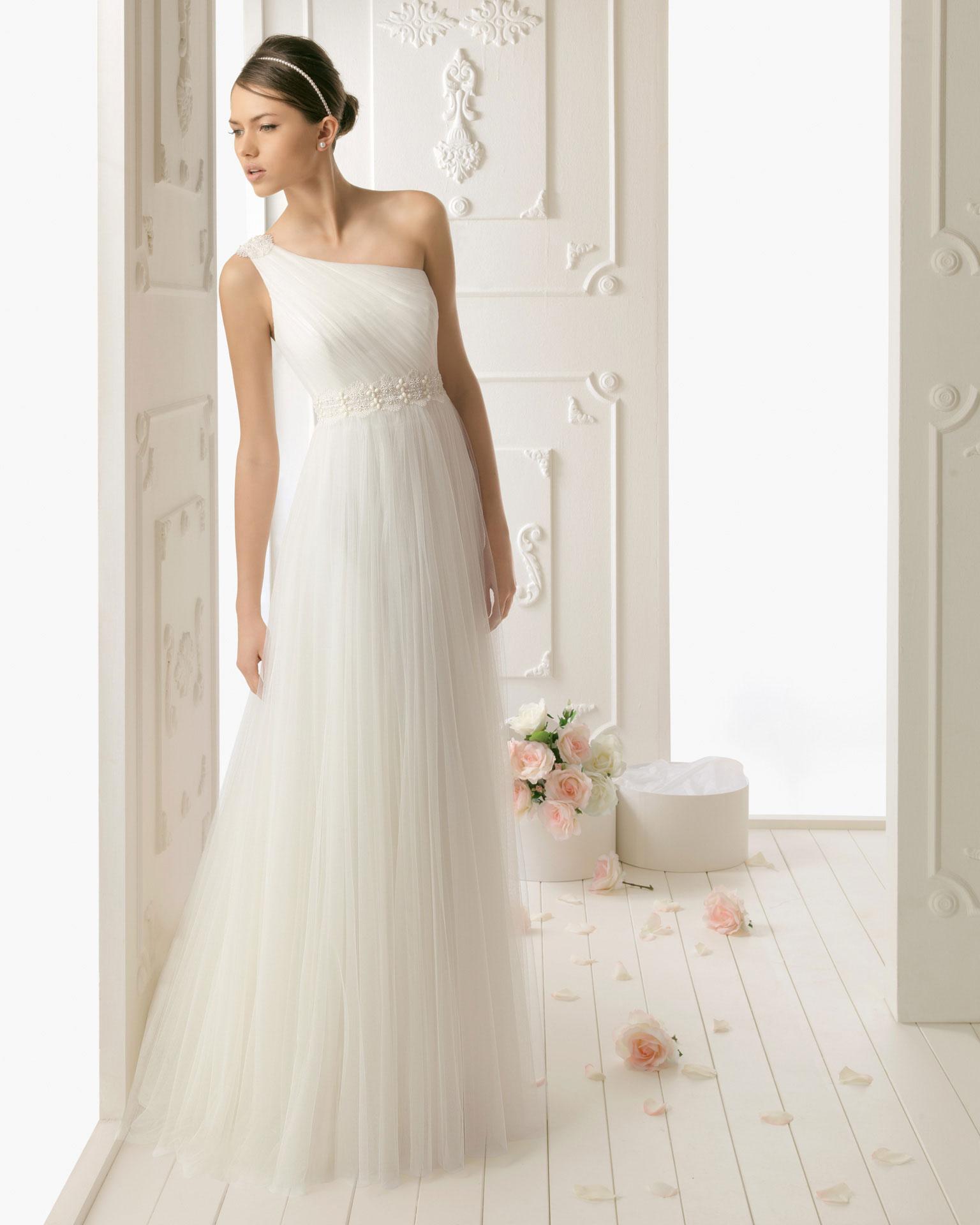 Vestido de novia, como vestido de la muchacha de bonos