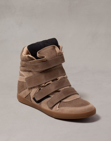 elblogdeanasuero_Regalos Navidad Sneakers_Pull & Bear marrones