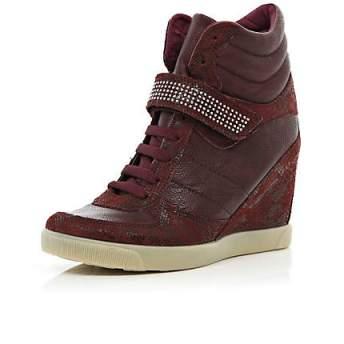 elblogdeanasuero_Regalos Navidad Sneakers_River Island Granates