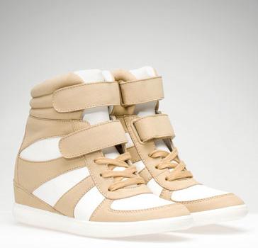elblogdeanasuero_Regalos Navidad Sneakers_Stradivarius blancas y beiges