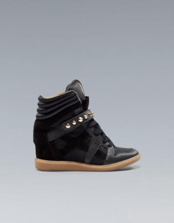 elblogdeanasuero_Regalos Navidad Sneakers_TRF negras tachas