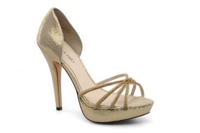 elblogdeanasuero_Zapatos Novia 2013_Menbur sandalias doradas