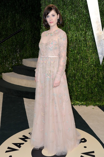 elblogdeanasuero_Fiestas Oscars 2013_Zooey Deschanel Valentino flores