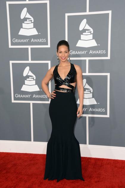 elblogdeanasuero_Grammy 2013_Alicia Keys Azzedine Alaia negro