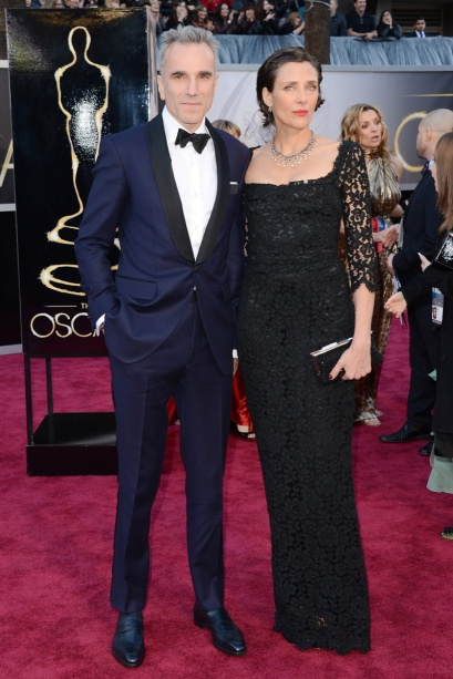 elblogdeanasuero_Oscars 2013_Daniel Day-Lewis esmoquin azul y Rebecca Miller