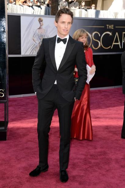 elblogdeanasuero_Oscars 2013_Eddie Redmayne Alexander McQueen esmoquin