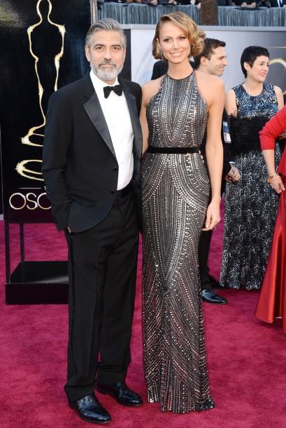 elblogdeanasuero_Oscars 2013_George Clooney esmoquin y Stacy Keibler