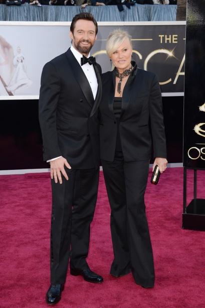 elblogdeanasuero_Oscars 2013_Hugh Jackman y Deborra_Lee Furness esmoquin