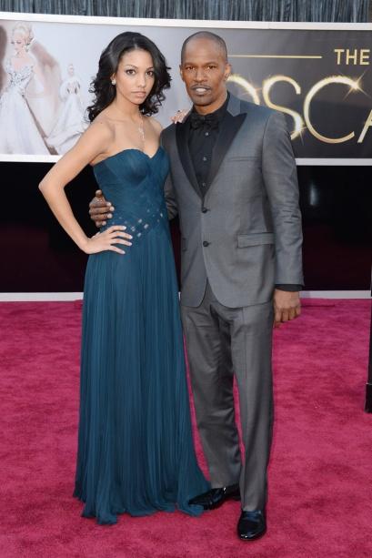 elblogdeanasuero_Oscars 2013_Jamie Foxx esmoquin gris e hija Corinne Bishop