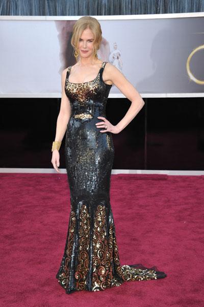 elblogdeanasuero_Oscars 2013_Nicole Kidman L´Wren Scott negro sola