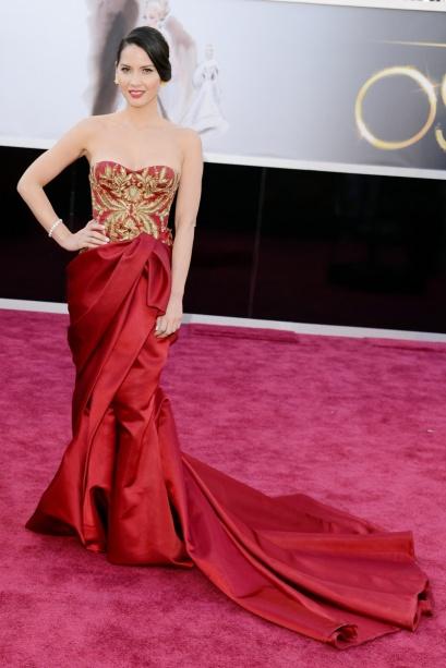 elblogdeanasuero_Oscars 2013_Olivia Munn Marchesa rojo