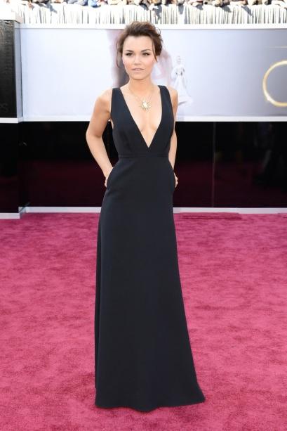 elblogdeanasuero_Oscars 2013_Samantha Barks Valentino negro