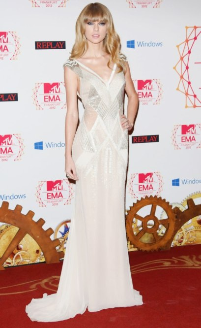 elblogdeanasuero_Taylor Swift_MTV EMA 2012 J Mendel