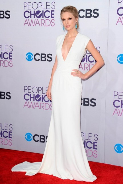 elblogdeanasuero_Taylor Swift_Peoples Choice Awards Ralph Lauren blanco