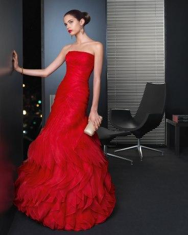 elblogdeanasuero_Invitadas boda 2013_Rosa Clara largo rojo