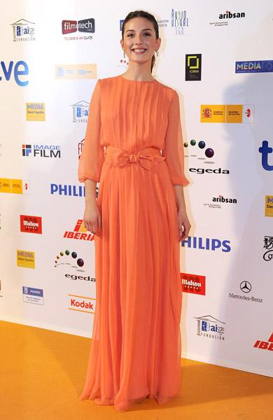 elblogdeanasuero_Maria Valverde_Max Mara Vestido plisado naranja Premios José María Forqué