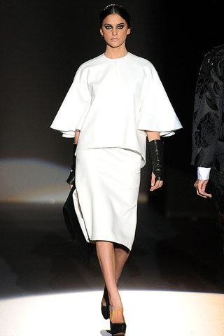 elblogdeanasuero_MBFWM Otoño-Invierno 2013_Juana Martín  vestido blanco