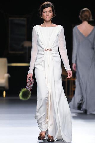 elblogdeanasuero_MBFWM Otoño-Invierno 2013_Juanjo Oliva vestido blanco