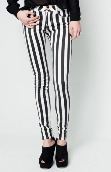 elblogdeanasuero_rayas blanco y negro_pitillo Fashion PIlls 29,90