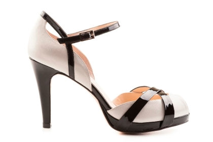 elblogdeanasuero_Complementos Boda 2013_Sacha London sandalias bicolor crema y negro