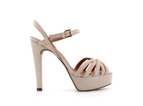 elblogdeanasuero_Complementos Boda 2013_Zilian sandalias de piel beige plataforma
