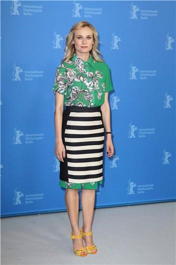 elblogdeanasuero_El estilo de Diane Kruger_Festival de cine de Berlin Derek lam flores y rayas