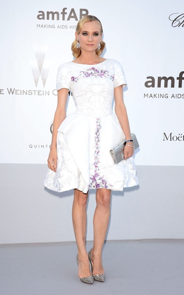 elblogdeanasuero_El estilo de Diane Kruger_Gala Amfar Chanel corto blanco
