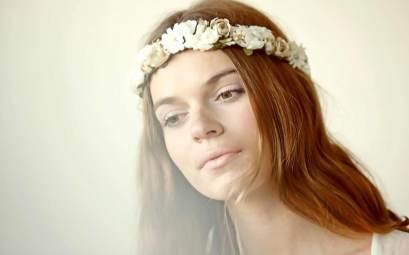 elblogdeanasuero_especial tocados_Suma Cruz corona de flores de novia