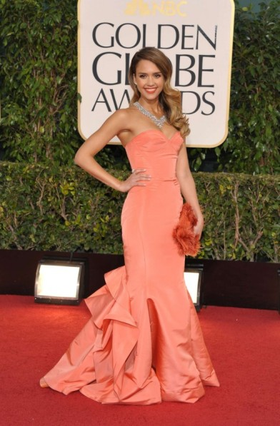 elblogdeanasuero_Estilo de Jessica Alba_Óscar de la Renta coral Oscars 2013
