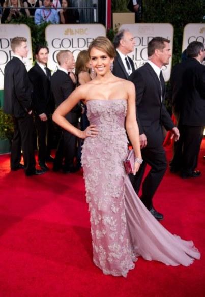 elblogdeanasuero_Estilo de Jessica Alba_Gucci pedrería Golden Globes 2012