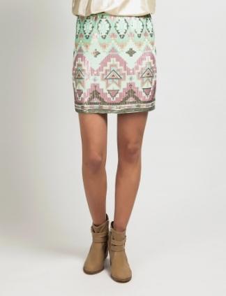 elblogdeanasuero_Minifaldas estampadas_CSerrano étnico paillettes colores