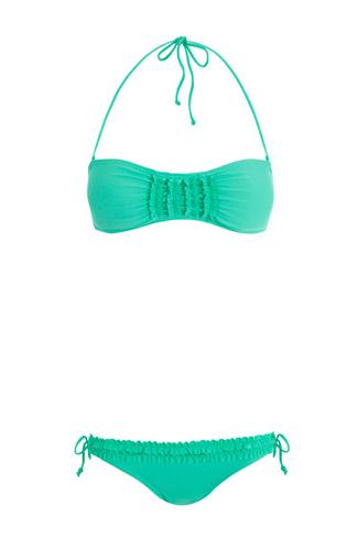 elblogdeanasuero_Verde esmeralda_Bikini volantitos Blanco