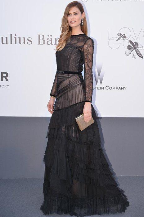 elblogdeanasuero_Cannes 2013_Alberta Ferretti Bianca Balti vestido negro de tul