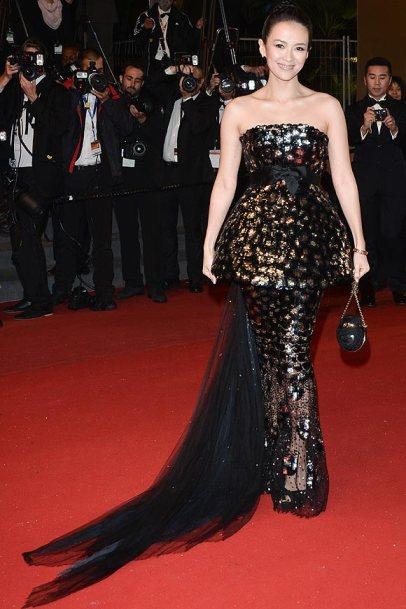 elblogdeanasuero_Cannes 2013_Chanel Zhang Ziyi peplum dorado y negro