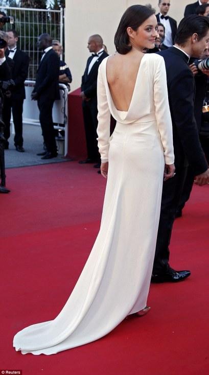 elblogdeanasuero_Cannes 2013_Dior Marion Cotillard blanco largo espalda