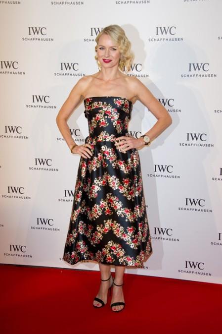 elblogdeanasuero_Cannes 2013_Dolce & Gabbana Naomi Watts flores