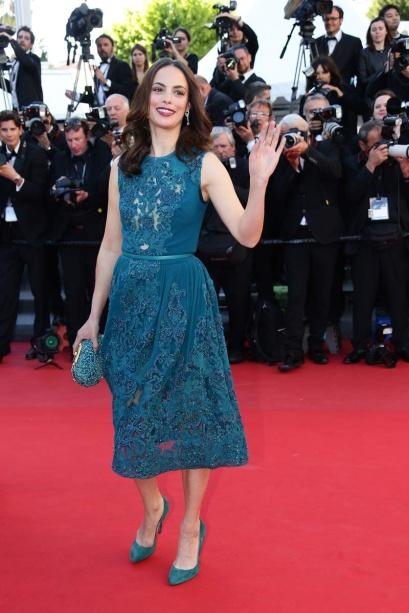 elblogdeanasuero_Cannes 2013_Elie Saab Berenice Bejo azul por la rodilla