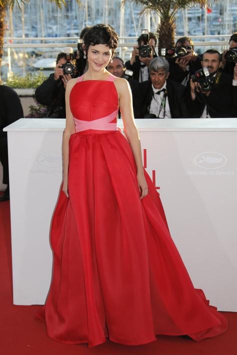 elblogdeanasuero_Cannes 2013_Lanvin Audrey Tatou rojo y rosa