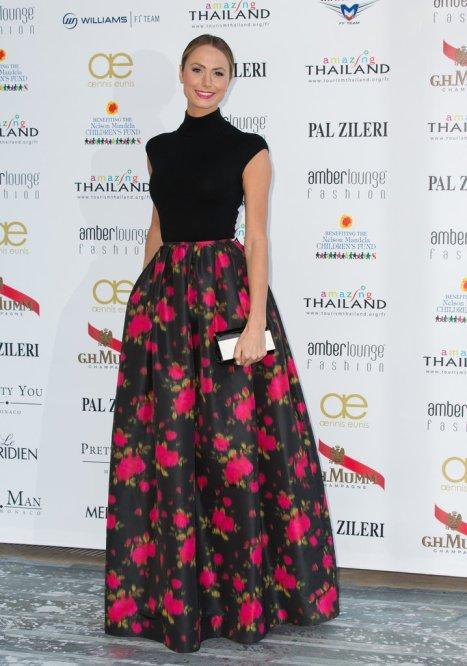 elblogdeanasuero_Cannes 2013_Michael Kors Stacy Keibler falda baile flores