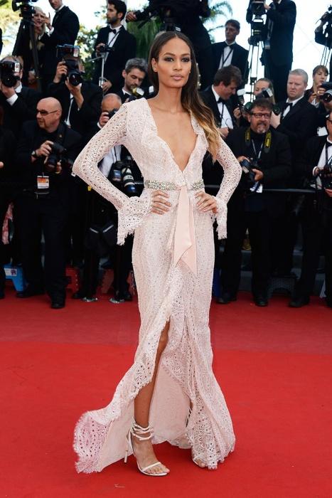 elblogdeanasuero_Cannes 2013_Pucci Joan Smalls escotazo vestido blanco