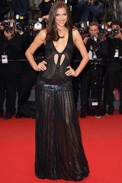 elblogdeanasuero_Cannes 2013_Roberto Cavalli Irina Shayk negro cut out