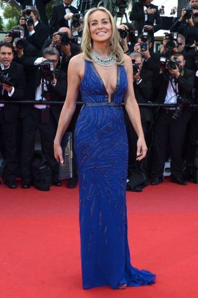 elblogdeanasuero_Cannes 2013_Roberto Cavalli Sharon Stone azul klein