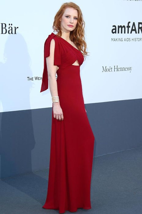 elblogdeanasuero_Cannes 2013_Saint Laurent Jessica Chastain rojo cut out