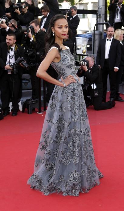elblogdeanasuero_Cannes 2013_Valentino Zoe Saldana gris con flores