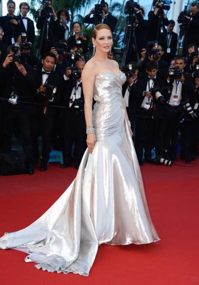 elblogdeanasuero_Cannes 2013_Versace Uma Thurman metalizado