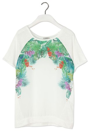 elblogdeanasuero_Estampado Tropical_camiseta blanca Pull & Bear 17,99 €