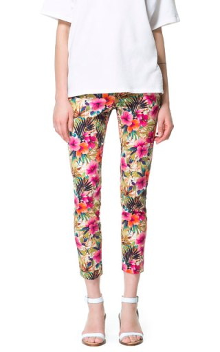 elblogdeanasuero_Estampado Tropical_pantalón tobillero Zara 29,95 €