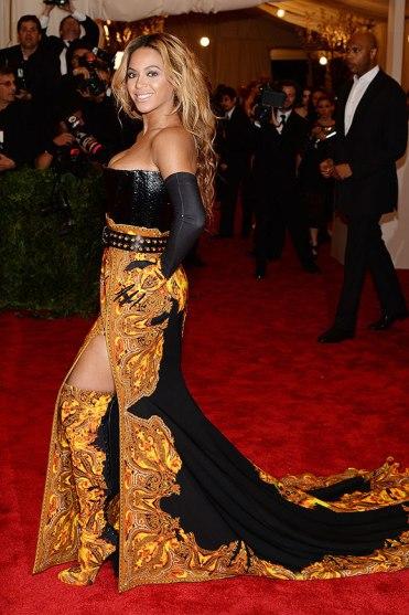 elblogdeanasuero_Gala MET 2013_Beyonce vestido de Givenchy