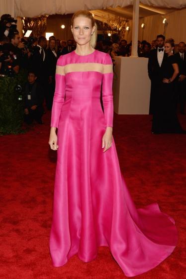 elblogdeanasuero_Gala MET 2013_Gwyneth Paltrow vestido rosa Valentino