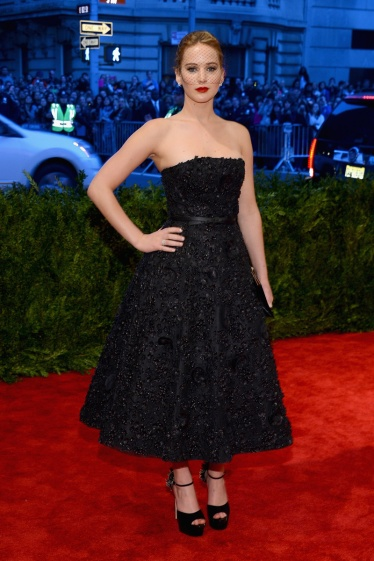 elblogdeanasuero_Gala MET 2013_Jennifer Lawrence vestido pailletes Dior Alta Costura